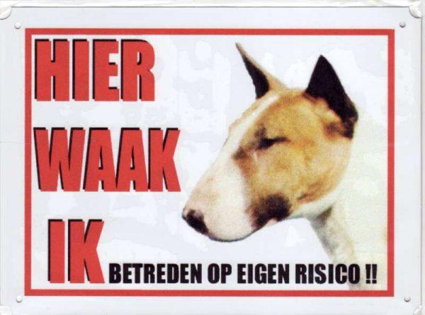 waakbord bull terrier bruin wit