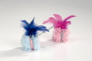 Pluche bal met veren blauw/roze 2 st